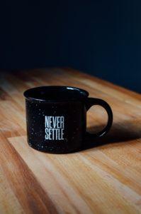 mortgage lender never settle mug